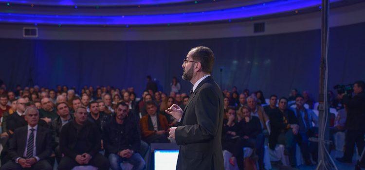Ο Μάρκος Λέγγας στο πρώτο TedX στο.. Κιάτο