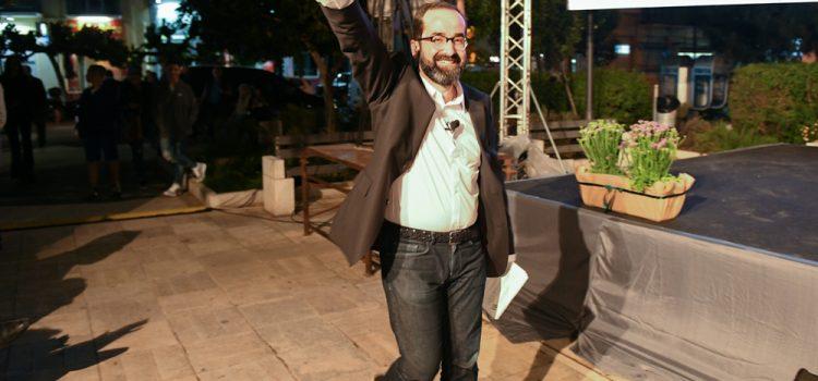 Ο Μάρκος Λέγγας «βούλιαξε» την Πλατεία Ελευθερίας στο Κιάτο! (Φωτο)